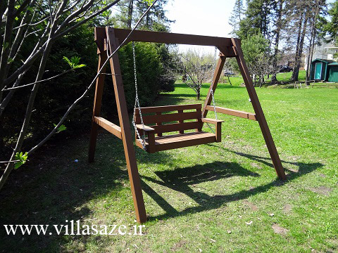 تاب باغی چوبی پایه دارد